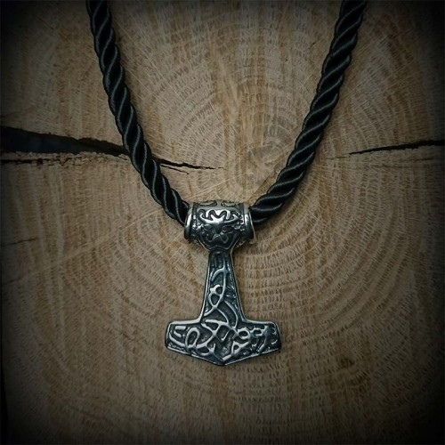 Collier Marteau viking...