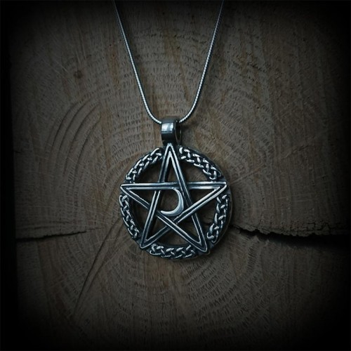 Collier gothique pentagram...