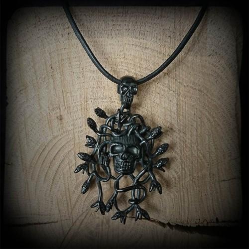 Collier Crâne Medusa acier...