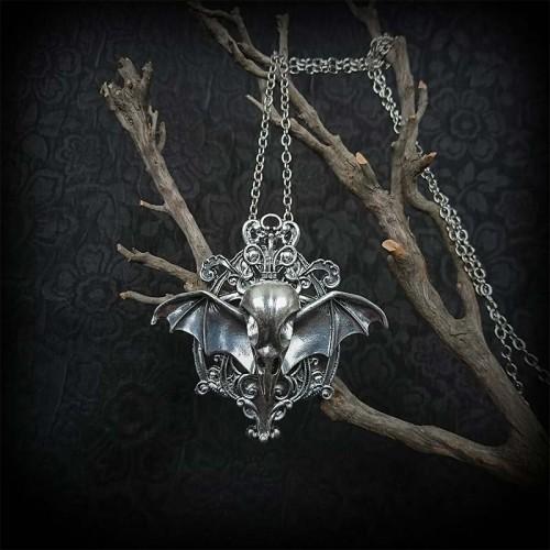Collier gothique crâne...