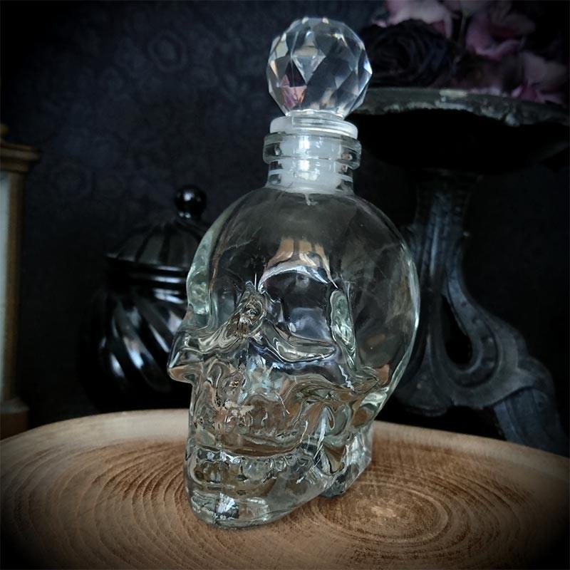 Flacon / mini carafe crâne en verre 10cl, crystal head, goth, rock ...