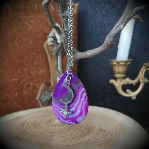 Collier pendentif Lilith...