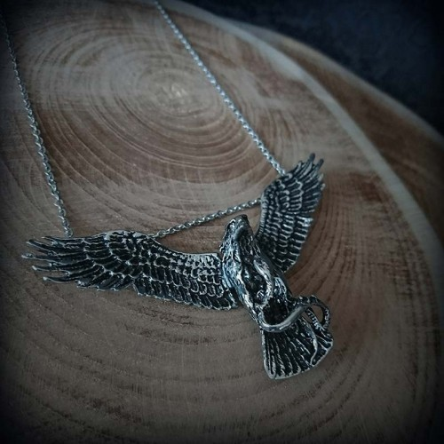 Collier battle Aigle vs...