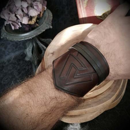 esthétique de luxe meilleur en ligne pas cher à vendre Bracelet viking cuir artisanal marron, Valknut, noeud des tombés