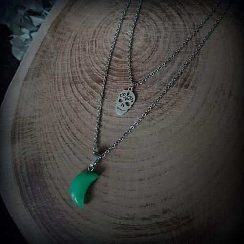 Collier demi-lune en jade...