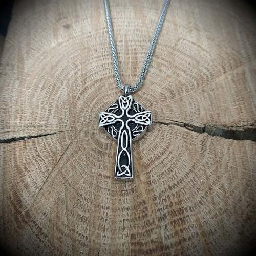 Collier pendentif croix...