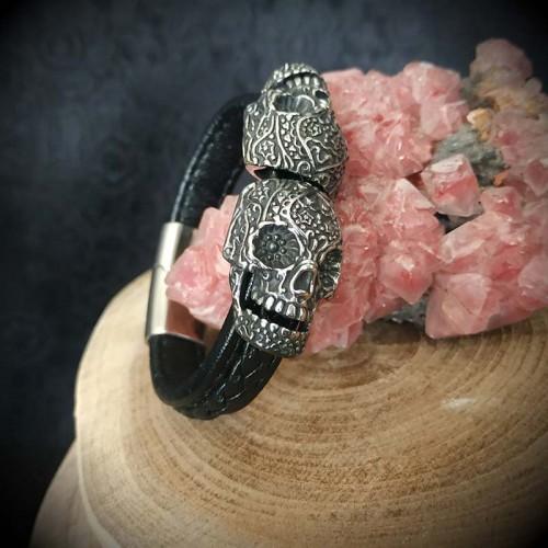 Bracelet simili cuir noir...