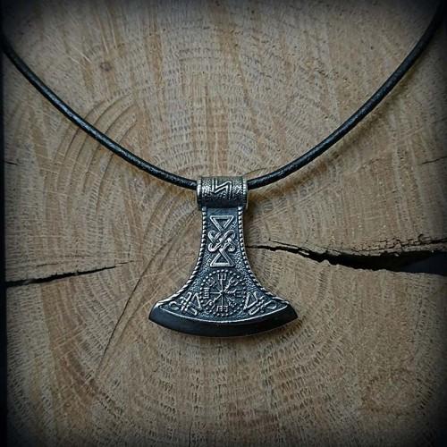 Collier hache viking acier,...
