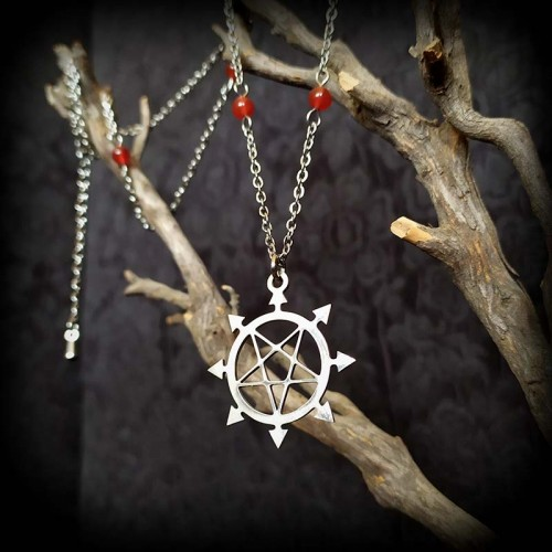 Collier pendentif pentacle...