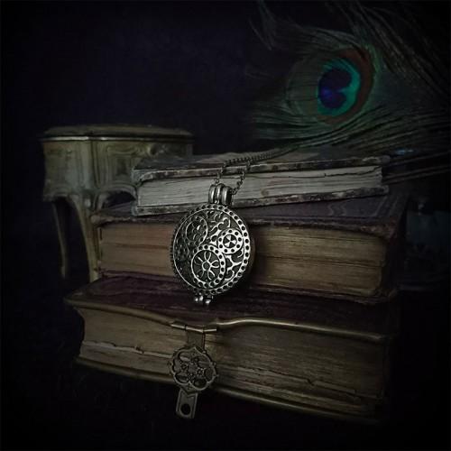 Collier steampunk médaillon...